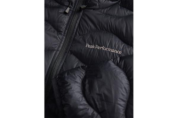 Peak Performance M Helium Hood Jacket Black Detalj 2