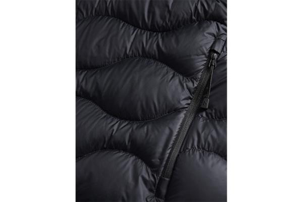 Peak Performance M Helium Hood Jacket Black Detalj 3