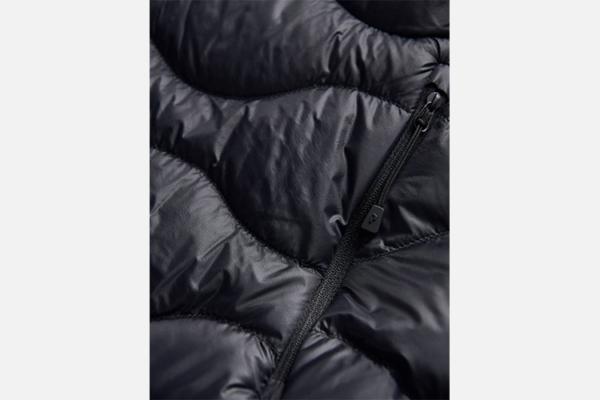 Peak Performance W Helium Hood Jacket Black Detalj 3